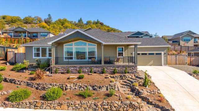 230 Cambridge Terrace, Eagle Point, OR 97524 (#3007178) :: FORD REAL ESTATE