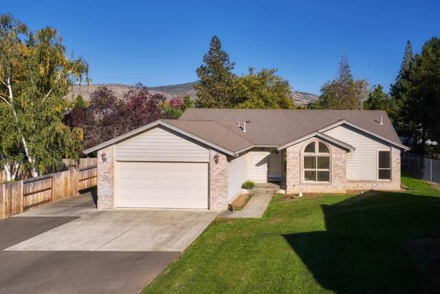 2462 Pinebrook Circle, Medford, OR 97504 (#3007596) :: FORD REAL ESTATE