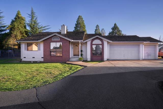 2460 Pinebrook Circle, Medford, OR 97504 (#3007597) :: FORD REAL ESTATE