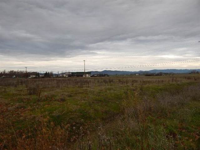 0 Crater Lake Highway, White City, OR 97503 (#3007868) :: Rutledge Property Group