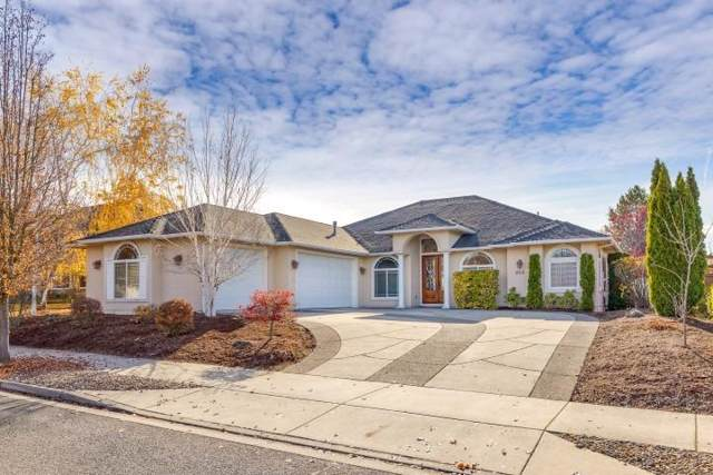 854 St Andrews Way, Eagle Point, OR 97524 (#3008011) :: FORD REAL ESTATE