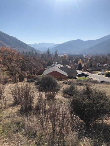 510 Cypress, Rogue River, OR 97537 (#3008137) :: Rutledge Property Group