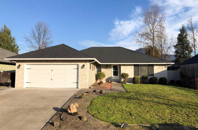 3062 Waterford Court, Medford, OR 97504 (#3008704) :: FORD REAL ESTATE