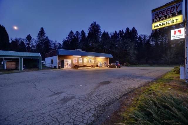 5635 Riverbanks Road, Grants Pass, OR 97527 (#3008826) :: FORD REAL ESTATE