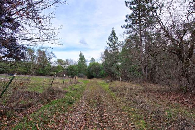 13750 Duggan, Central Point, OR 97502 (#3009068) :: FORD REAL ESTATE