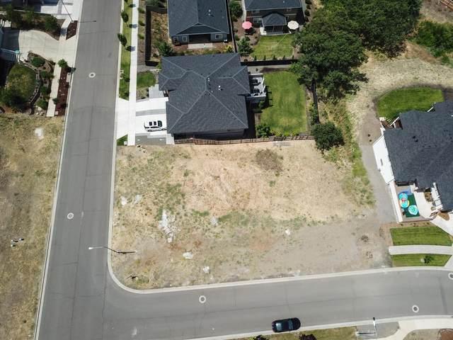 680 Forest Ridge, Medford, OR 97504 (#3010116) :: Rutledge Property Group