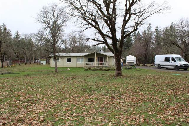 20499 Sawyer Road, Shady Cove, OR 97539 (#3010152) :: FORD REAL ESTATE