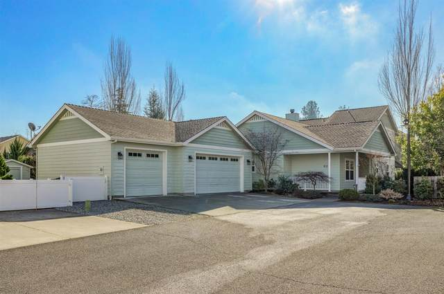 803 Buck Point Street, Central Point, OR 97502 (#3010440) :: FORD REAL ESTATE