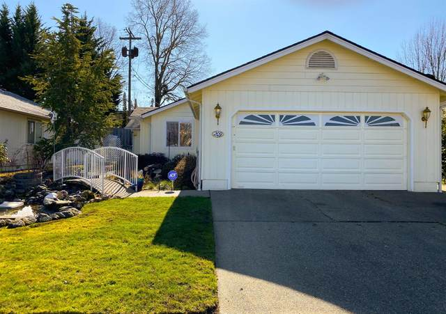209 Liberty Drive, Grants Pass, OR 97527 (#3010515) :: FORD REAL ESTATE