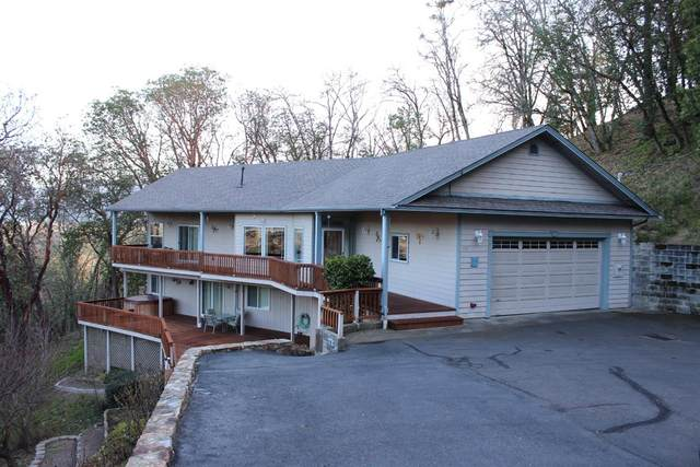 995 NW Starlite Place, Grants Pass, OR 97526 (#3010556) :: FORD REAL ESTATE