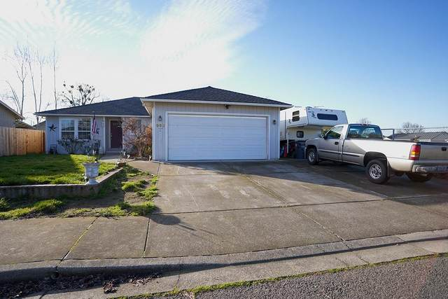 950 Colinwood Lane, Medford, OR 97501 (#3010569) :: FORD REAL ESTATE