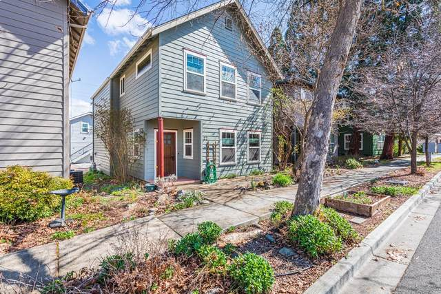 22 Logan Way, Talent, OR 97540 (#3011962) :: FORD REAL ESTATE