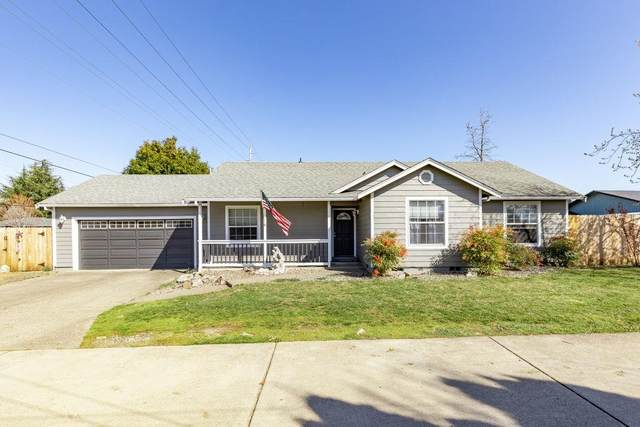 3050 Delta Waters Road, Medford, OR 97504 (#3011965) :: Team Zebrowski