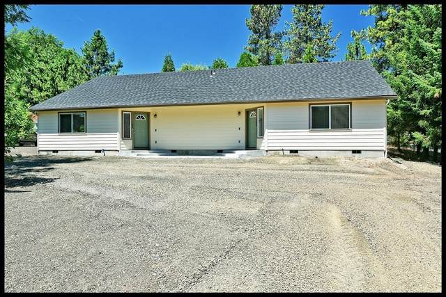 1025 Celtic Circle A/B, Shady Cove, OR 97539 (#3012003) :: FORD REAL ESTATE