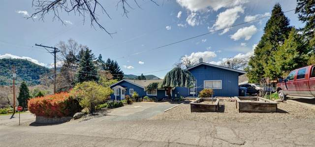 1011 N 5th Avenue, Gold Hill, OR 97525 (#3012045) :: FORD REAL ESTATE
