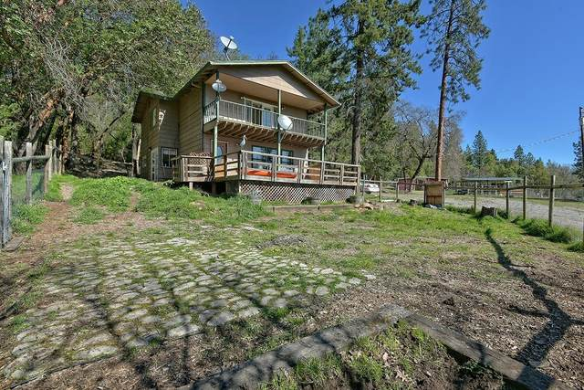 13750 Duggan Road, Central Point, OR 97502 (#3012179) :: FORD REAL ESTATE