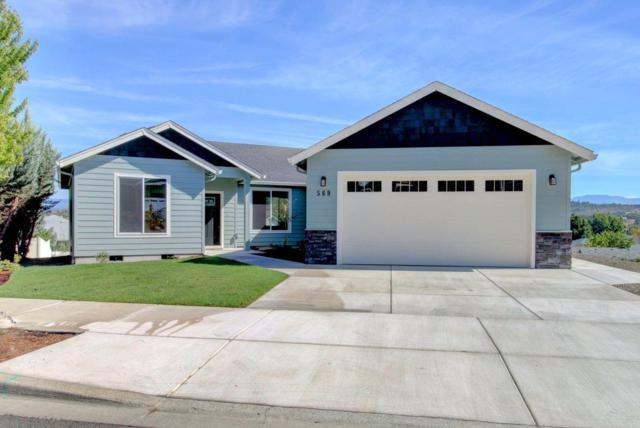 569 N Heights Drive, Eagle Point, OR 97524 (#2981397) :: FORD REAL ESTATE