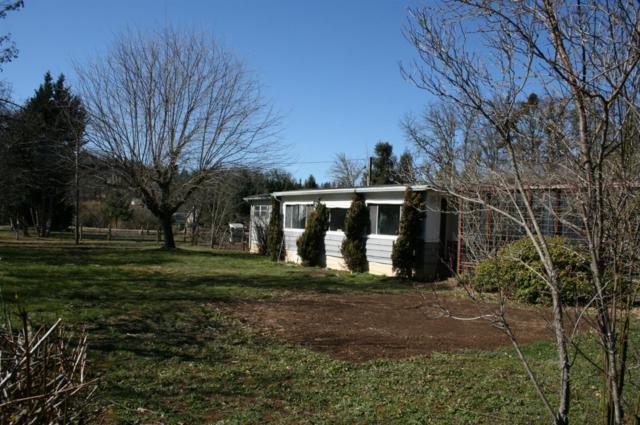310 E Woodside Street, Grants Pass, OR 97527 (#2982539) :: Rocket Home Finder
