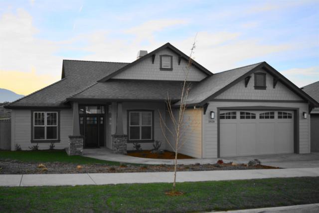 3928 Sunleaf Avenue, Medford, OR 97504 (#2984159) :: Rocket Home Finder