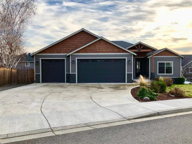 3274 Wheat Ridge Drive, Medford, OR 97504 (#2984332) :: Rocket Home Finder