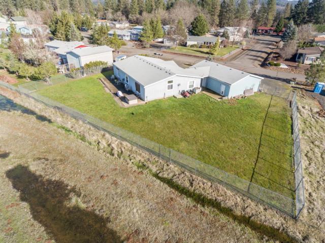 217 Deer Park Lane, Shady Cove, OR 97539 (#2984957) :: Rocket Home Finder