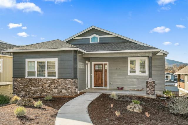 913 Stoneridge Avenue, Ashland, OR 97520 (#2985198) :: Rocket Home Finder