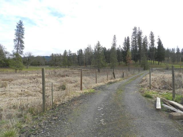 8857 Butte Falls Highway, Eagle Point, OR 97524 (#2986281) :: Rocket Home Finder