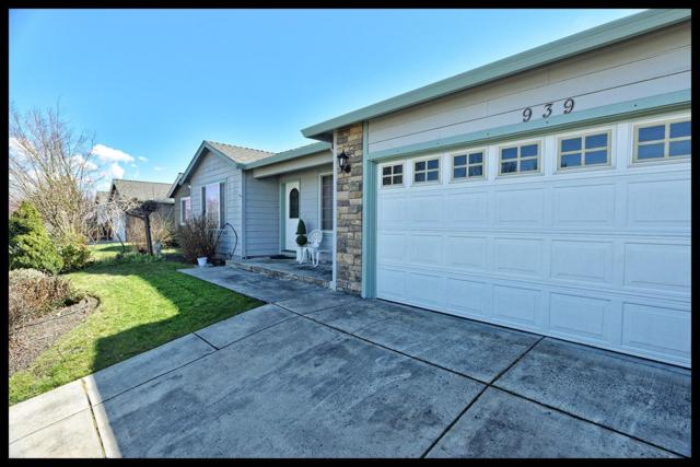 939 Birmingham Street, Medford, OR 97501 (#2987138) :: Rocket Home Finder