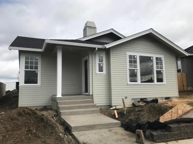 3831 Creek Mont Drive, Medford, OR 97504 (#2988056) :: Rocket Home Finder