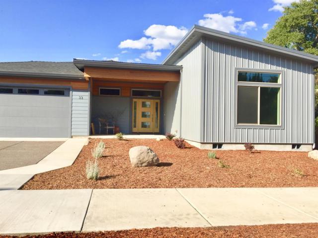 33 W Nevada, Ashland, OR 97520 (#2991896) :: Rocket Home Finder