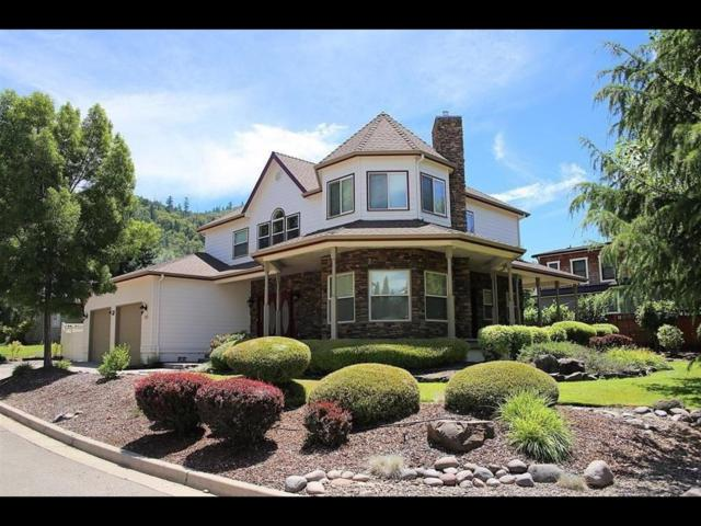 333 Penny Lane, Shady Cove, OR 97539 (#2995432) :: Rocket Home Finder