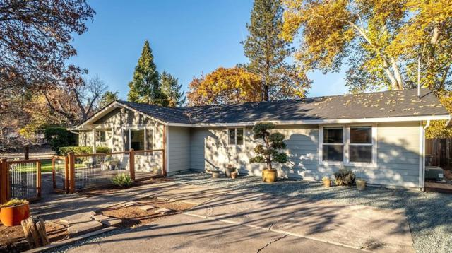 425 E C Street, Jacksonville, OR 97530 (#2996007) :: Rutledge Property Group