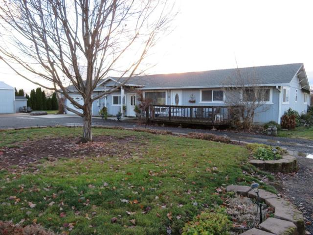 6800 Cork Drive, Central Point, OR 97502 (#2996451) :: Rutledge Property Group