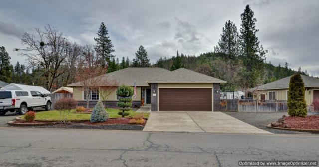 530 Yew Wood Drive, Shady Cove, OR 97539 (#2998344) :: FORD REAL ESTATE