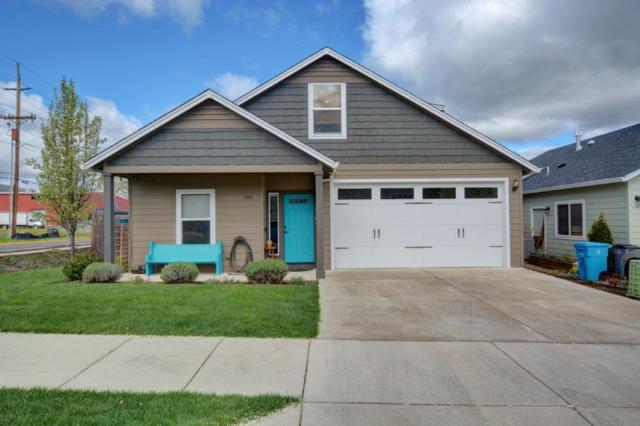 300 Everett Way, Talent, OR 97540 (#3000280) :: FORD REAL ESTATE