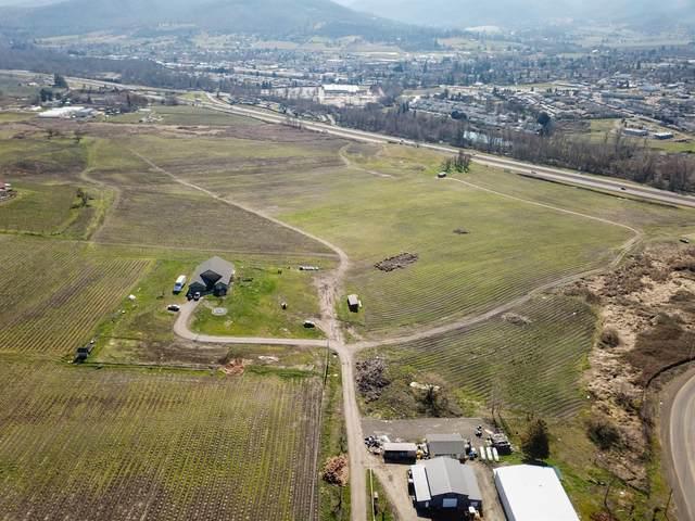 932 Suncrest Road, Talent, OR 97540 (#3009452) :: Rutledge Property Group