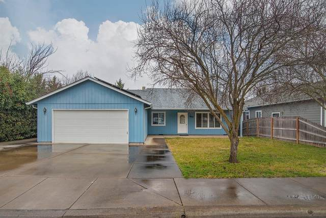 466 Phyllis Drive, Eagle Point, OR 97524 (#3010139) :: FORD REAL ESTATE