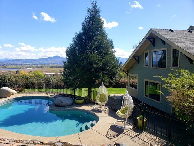 2339 Hillside Drive, Central Point, OR 97502 (#3012183) :: FORD REAL ESTATE