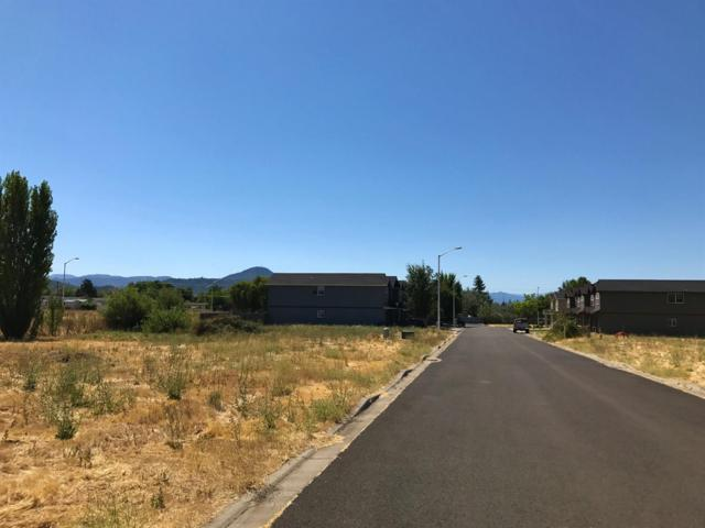 7858 Phaedra, White City, OR 97503 (#2971249) :: Rocket Home Finder