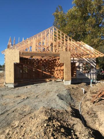 116 Chelsea Court, Phoenix, OR 97535 (#2982483) :: Patie Millen Group - John L. Scott Real Estate
