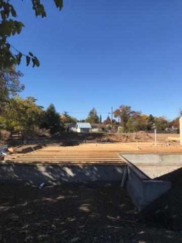 117 Chelsea Court, Phoenix, OR 97535 (#2982677) :: Patie Millen Group - John L. Scott Real Estate