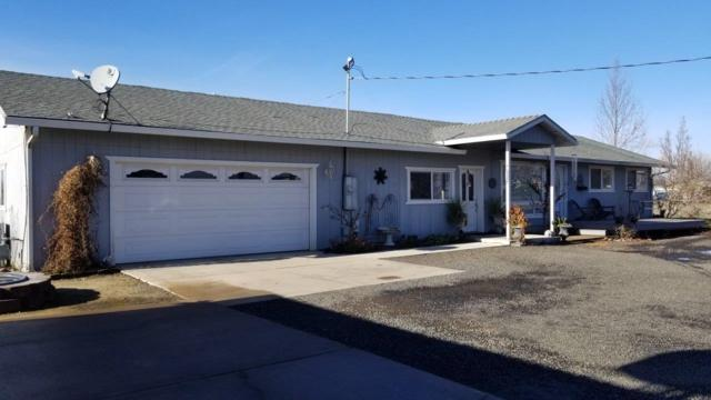 6800 Cork Drive, Central Point, OR 97502 (#2996451) :: FORD REAL ESTATE