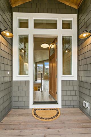 997 Patton Lane, Ashland, OR 97520 (#2986986) :: Rocket Home Finder