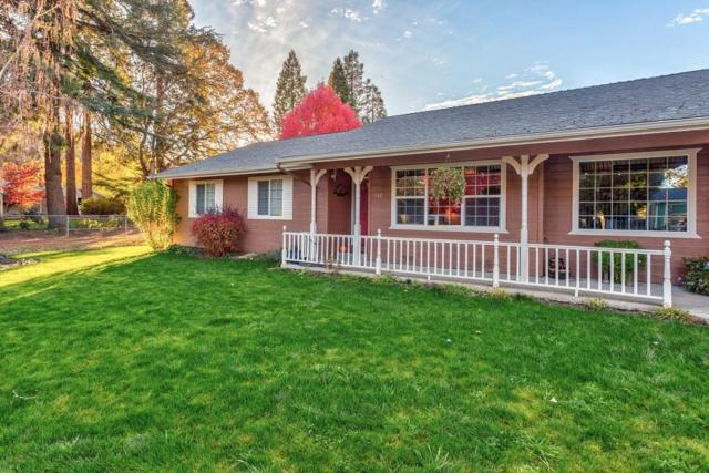 142 Kellogg Street, Gold Hill, OR 97525 (#2995413) :: Rocket Home Finder