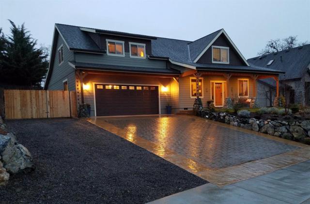 643 Oak Wood, Eagle Point, OR 97524 (#2973527) :: Rocket Home Finder