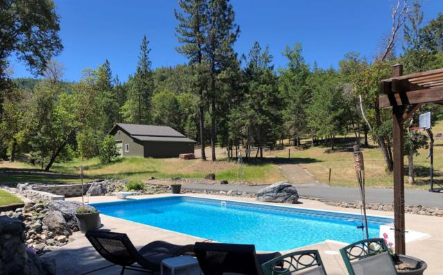6725 Old Stage Road, Central Point, OR 97502 (#2998546) :: FORD REAL ESTATE