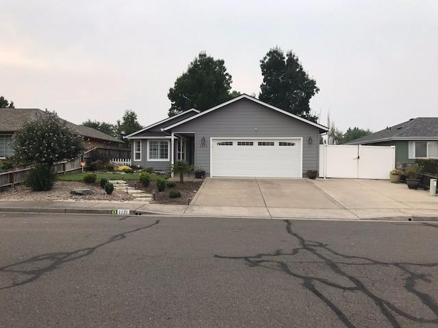 1171 Marilee Street, Central Point, OR 97502 (#2982007) :: FORD REAL ESTATE