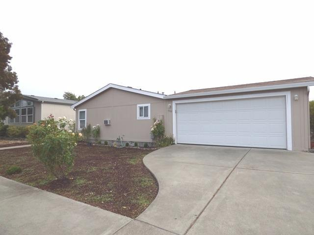 1559 SW Sun Glo Drive, Grants Pass, OR 97537 (#2982109) :: Patie Millen Group - John L. Scott Real Estate