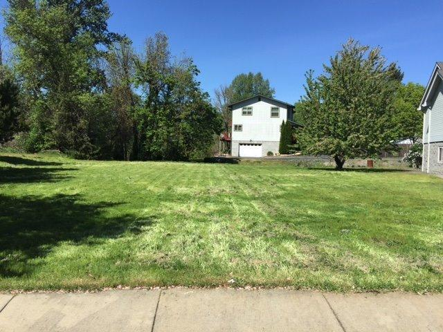 104 Creek View, Rogue River, OR 97537 (#2982822) :: Rocket Home Finder