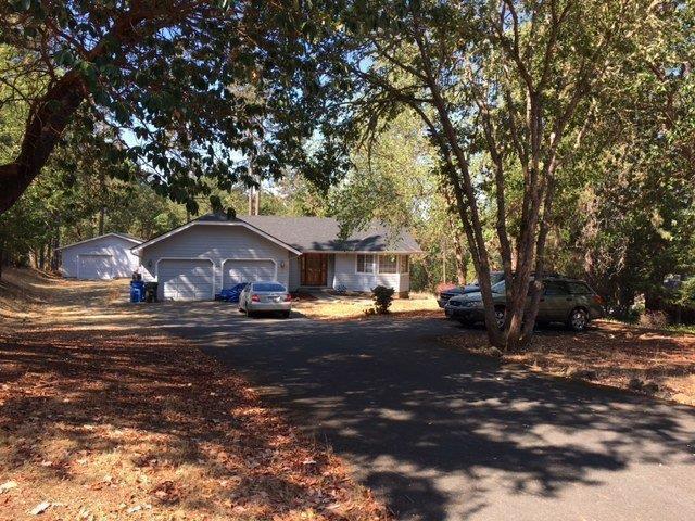 318 Brooke Ln, Grants Pass, OR 97527 (#2982957) :: Rocket Home Finder